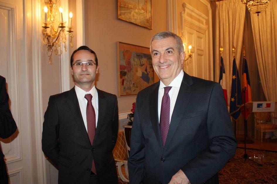 Le président du Sénat roumain, Chevalier de la Légion d ...